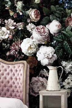 Ellie cashman Floral wallpaper via gold is a neutral