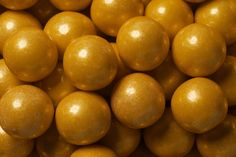 Elegant gold gumballs, each 1 inch in diameter, packaged in a 2 pound bag. These gold gum balls come in beautiful gold color with long lasting flavor. Use gold gum balls in occasions like weddings and gold themed parties for candy tables and buffets.