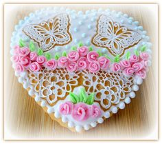 """Vanilla cookie """"Heart with butterflies and roses"""" Vanilla Cookies, Butterflies, Roses, Heart, Cake, Desserts, Food, Tailgate Desserts, Deserts"""