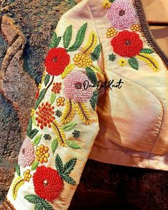 Embroidery Neck Designs, Bead Embroidery Patterns, Hand Work Embroidery, Beaded Embroidery, Best Blouse Designs, Simple Blouse Designs, Stylish Blouse Design, Velvet Dress Designs, Mehndi Designs For Beginners