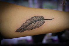 Simple yet detailed leaf tattoo