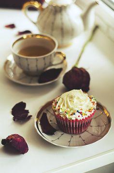 sweet break. by ilmari-nen
