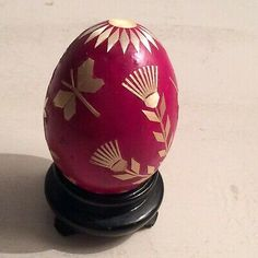 Russian Handpainted Egg in the style of Faberge made from a real egg in red decorated in gold wildflowers. An unusual item for a collection. Faberge Eggs, Jewel Box, Lily Of The Valley, Snow Globes, Christmas Bulbs, Hand Painted, Holiday Decor, Ebay, Style