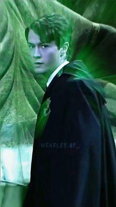 Slytherin Harry Potter, Harry Potter Feels, Harry Potter Draco Malfoy, Harry Potter Jokes, Harry Potter Fan Art, Harry Potter Characters, Hogwarts, Draco Malfoy Aesthetic, Harry Potter Aesthetic