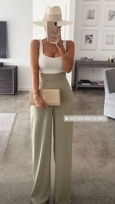 Edgy Outfits, Office Outfits, Fall Outfits, Cute Outfits, Fashion Outfits, Womens Fashion, Fashion Tips, Classy Going Out Outfits, Formal Pants Women