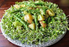 Könnyű újburgonya saláták | Saláta receptek, salátaöntetek, mikrosaláták Seaweed Salad, Avocado Toast, Breakfast, Ethnic Recipes, Food, Morning Coffee, Essen, Meals, Yemek