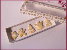 Box of gingerbread cookies by hungarianminiatures on Etsy