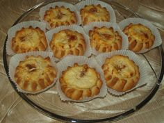 Greek Desserts, Greek Recipes, Sweets Recipes, Easter Recipes, Soul Food, Donuts, Flora, Muffin, Food And Drink