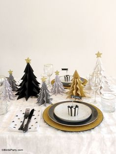Gold and Black Holiday party ideas, tablescape, DIY decorations and more! | BirdsParty.com @birdsparty