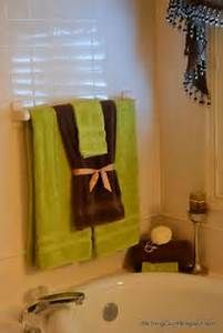 Creative Ways To Display Towels In Bathroom  Hand Towel Display Pleasing Where To Hang Towels In A Small Bathroom Design Inspiration