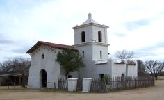 Bracketville, Tx - Alamo Village - John Wayne movie set {Hubby & I got married in this little ♥} Mexican Army, John Wayne Movies, Sam Houston, Historical Photos, Places Ive Been, National Parks, Texas, Mansions, House Styles