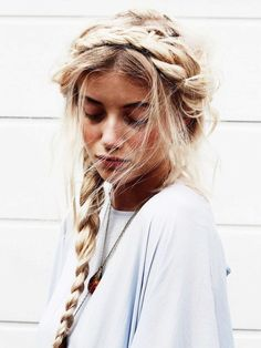 i really like this hairstyle but i am pretty sure i would look like a alp girl from the mountains.