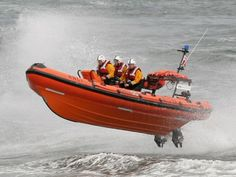 I would not want to be in this Lifeboat unless perhaps I was drowning. lol Looks too scary to me!
