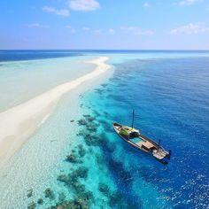Colors / Sandbank Faafu Atoll. #Maldives #Holiday #Luxwt #LuxuryWorldTraveler #FaafuAtoll #aerial #Travel #lonelyplanet #aerialphotography #sandbank #dronegear #dji #drone #BestVacation #Beauty #Sea #turquoise #blue #Lagoon #Beach #iamdji #travelawesome #Мальдивы #马尔代夫 #Malediven #Maldive #몰디브 #Мальдив #Maldivas #المالديف by obofili