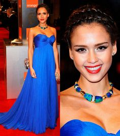 20 Glamorous Night Dresses - love the color !