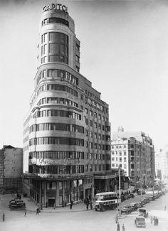 Het Carrión gebouw op de Madrileense Gran Vía. Architecten waren Luis Martínez-Feduchi & Vicente Eced y Eced.