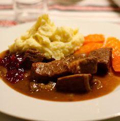 Småsteik, sosekjøtt eller kjøtt i mørke.