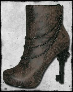 Steampunk...okay I have some chains like this, could I re-make some old boots?