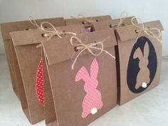 Earn money with Easter ideas to make extra money Easter paper bags Baby Easter Basket, Easter Baskets, Bunny Party, Easter Party, Diy Crafts For Gifts, Crafts To Make And Sell, Paper Flower Decor, Easter Activities, Hoppy Easter