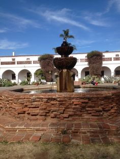 The fountain in front of the Mission San Luis Ray de Francia in Oceanside, California.  (Whitaker, 2014).