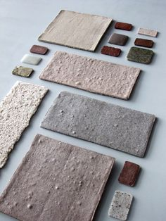 Blog de decoración Blended material by Tom van Soest Second life for old construction material. His blender grinds glass, bricks, concrete and even entire sinks into powder. By baking the powders in a specific mix at a high temperature, new stone-like materials are created with which you can build again: Blended Materials. Van Soest conducted many experiments to find the right mixture, shape and heating process. 'Trial bakes' show an enormous variety in color and texture.