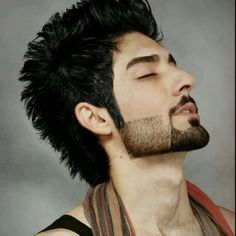 Dont know who is he, but im inlove Cool Hairstyles For Men, Haircuts For Long Hair, Boy Hairstyles, Haircuts For Men, Indian Beard Style, New Beard Style, Beard Look, Sexy Beard, Beard Fade