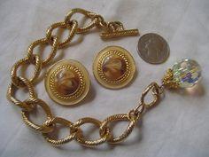 Gorgeius Harmonizing Designs Vintage + Recentluy Refurbished  Breaclet w/ Aurora Borialis Bead & Clip On Earrings
