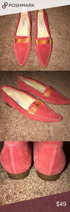 Oscar de la Renta Suede Shoes / Flats In excellent condition! Beautiful Suede shoes. Size 7 1/2 Oscar de la Renta Shoes Flats & Loafers