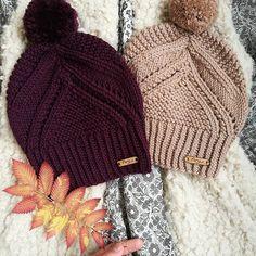 Good morning with these incredibly soft and comfy merinowool-cashmere beanies! #anjuknits #handmadeinfinland #knitting_inspiration #nordicknitlife #shareyourknits #slowliving #slowfashion #creativelifehappylife #cashmerebeanie #anjubeanie #tricot #tricoter #instatricot #instastrikk #strikkeinspo #strikkedilla #strikking #neulominen #neulottu #instaneulojat #suomalaistakäsityötä #neulottupipo #tupsupipo #merinovillapipo #anjupipo #вяжутнетолькобабушки #вязанаяшапка #шапкаспицами