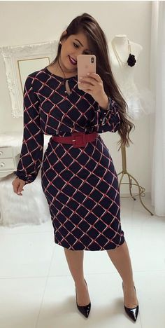 Cute office dress and red belt Trend Fashion, Work Fashion, Cute Fashion, Modest Fashion, Hijab Fashion, Fashion Outfits, Simple Dresses, Beautiful Dresses, Casual Dresses