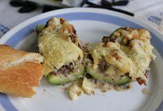 Huvilaelämää ja mökkiruokaa: Jauhelihalla täytetyt kesäkurpitsat
