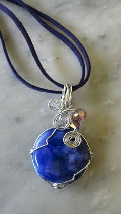 #handmade #wirejewelry #aluminumwire #pendant #necklace #marblestone