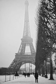 Paris Effel by YoungJae Kim