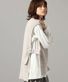 Sweater Vest Outfit, Vest Outfits, Fashion Outfits, Crochet Cowl Free Pattern, Knit Patterns, Knit Crochet, Mode Ootd, Bolero, Crochet Fashion
