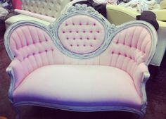 Love love love this victorian style couch