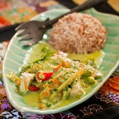 Authentic Thai Chicken Green Curry recipe I learned at a cooking school in Bangkok! You'll be licking the spoon clean. Best with home made green curry paste. 20 minute dinner on the table. Curry Recipes, Asian Recipes, Vegetarian Recipes, Healthy Recipes, Tamarind Recipes, Healthy Eats, Fun Easy Recipes, Gluten Free Recipes, Vegan Main Dishes