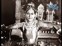 In 1940s Odisha brief and simple dance presentations of varying inspirations were increasing in popularity in the new professional theaters, and young girls from privileged backgrounds began learning and performing dance amidst the awakening cultural scene in Cuttack. The dance above was filmed in the latter part of the decade when the beginnings of what we know as Odissi movement vocabulary today was gaining ground in the collaborative atmosphere of professional theater.