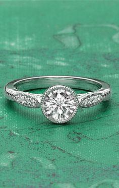 18K White Gold Lyra Diamond Ring