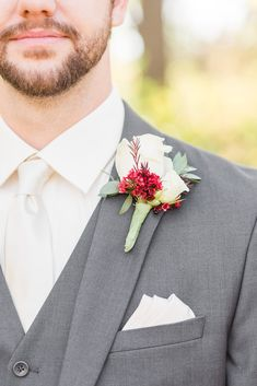 Classy Groom Style in Grey and Off-White Dark Grey Weddings, Red And White Weddings, White Wedding Flowers, Wedding Colors, Grey Suit Wedding, Fall Wedding, Dark Gray Suit, Bridal Gallery, Wedding Flower Inspiration