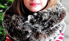 Tutorial: Faux fur infinity scarf · Sewing | CraftGossip.com
