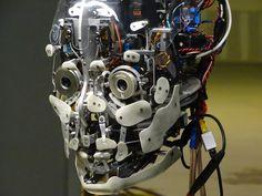 在这里,东报名机器人和无人驾驶飞机的帮助下,其营销驱动器推出的高科技和创意社区