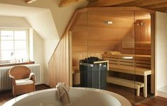 Steam rooms or Home Saunas. The perfect way to relax. 10 Amazing Home sauna or steam room Ideas and Designs for indoor and outdoor relaxation at home. Saunas, Jacuzzi, Sauna House, Sauna Room, Steam Bath, Steam Room, Sauna Portable, Cabine Sauna, Design Sauna