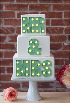 Marquee wedding cake @weddingchicks