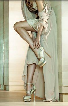 Sky high strappy stilettos: never boring! #pumps #heels #inspiration
