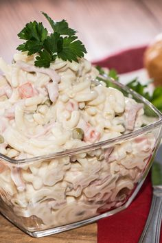 Seafood Pasta Salad - Whisk 2c mayonnaise, 3T sugar, 4T vinegar, 6T milk, 2t salt and 1/2t pepper. Add 1 pkg al dente tri-color pasta, 4 stalks chopped celery, 2 lb chopped imitation crabmeat and 2 c thawed peas. Stir to coat. Chill several hours before serving.