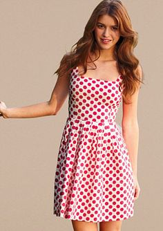 Red and polka dots, I can't ask for a more perfect dress