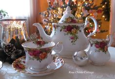 Old Country Roses for a Christmas Tea.