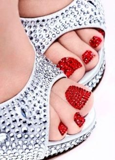 This is from Nails Inc. A special Christmas pedicure they offered in their London shoppes, and these are Swarovski Crystals that have been put on individually! Nails Inc. London Nail Lacquers over pins Orange Nails, Red Nails, Love Nails, How To Do Nails, Pretty Nails, Hair And Nails, Pretty Toes, Blue Nail, Burgundy Nails
