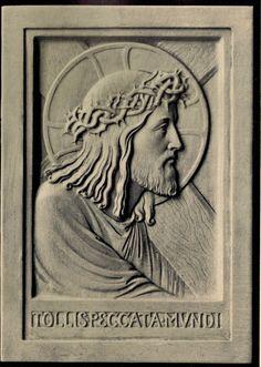 Beuronese Art / Beuroner Kunst Kreuztragender Heiland Relief. Das Relief wurde ausgeführt in Alabastermasse mit Elfenbeinton. Größe 12,5 x 17,5cm. #Beuroneseart #BeuronerKunst