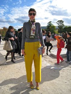 scarf and tailored cropped pants: Little Bits of Lovely: Love her style {giovanna battaglia} Giovanna Battaglia, Fashion Editor, Fashion Stylist, Street Chic, Street Style, Yellow Pants, Fashion Sites, Poppy Delevingne, Sienna Miller